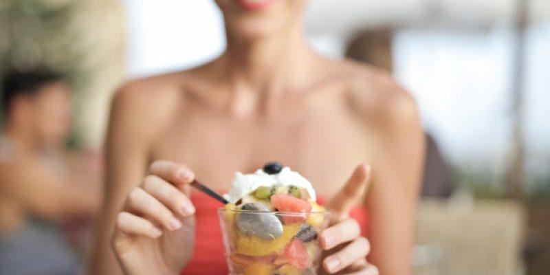 Alimentação e saúde bucal: 6 dicas para um sorriso saudável